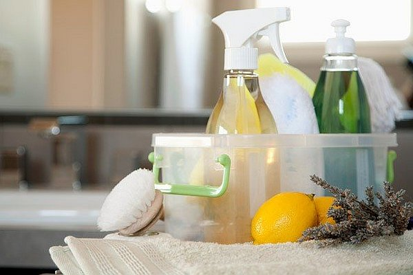 natural home cleaning products 8 Natural Cleaners For Your Home