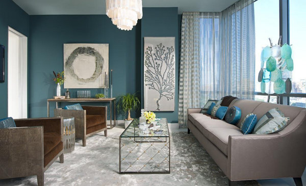 From navy to aqua summer decor in shades of blue - Salon bleu turquoise ...