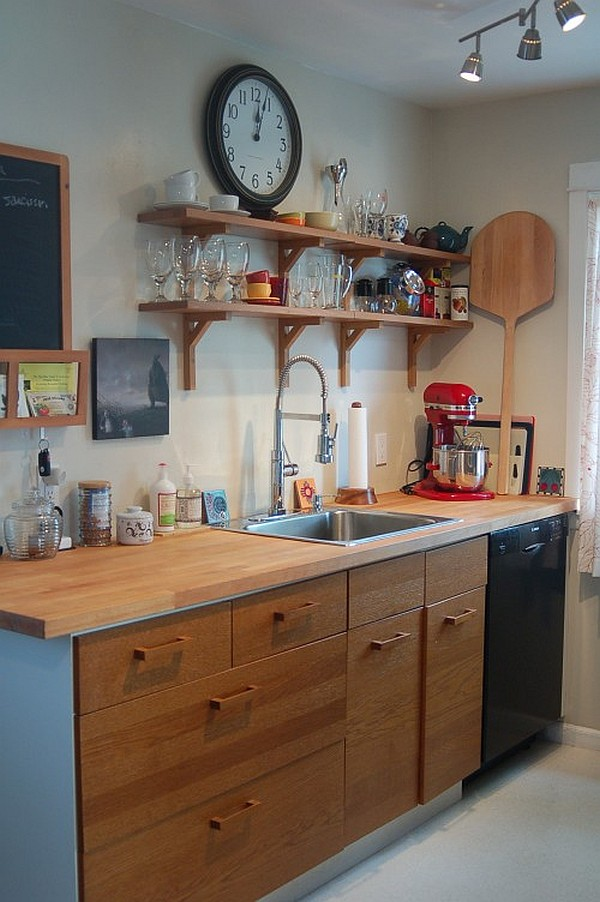 small space – wooden kitchen cabinets