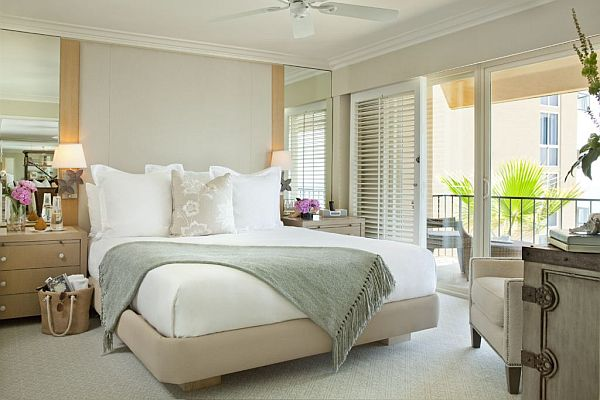 Penthouse style bedrooms how to decorate with a sleek theme for How to decorate a bedroom