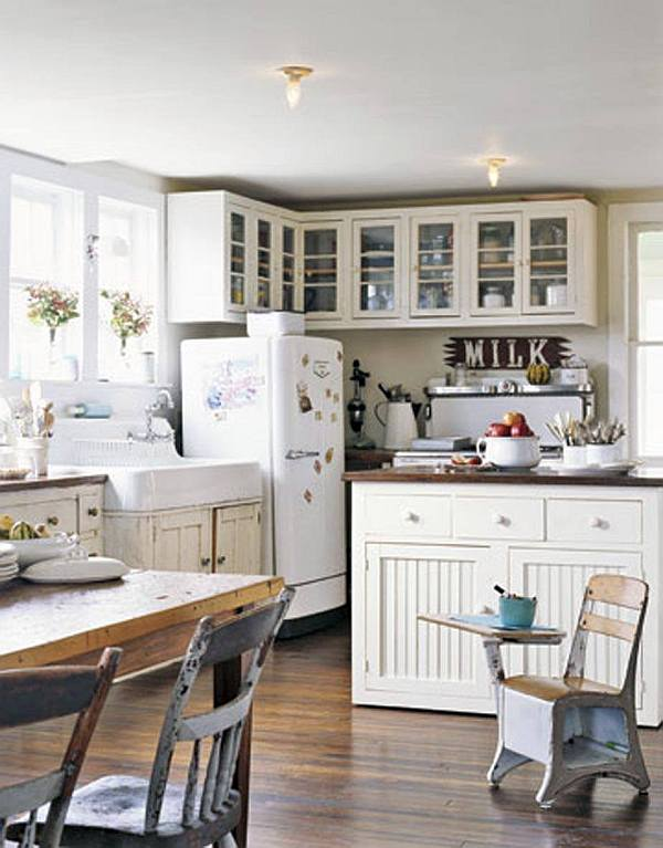 Decorating with a vintage farmhouse inspiration for White farm kitchen