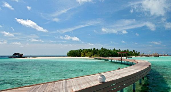 5 star Constance Moofushi Resort in Maldives 1 Constance Moofushi Resort: Maldives serves up a piece of pure paradise!