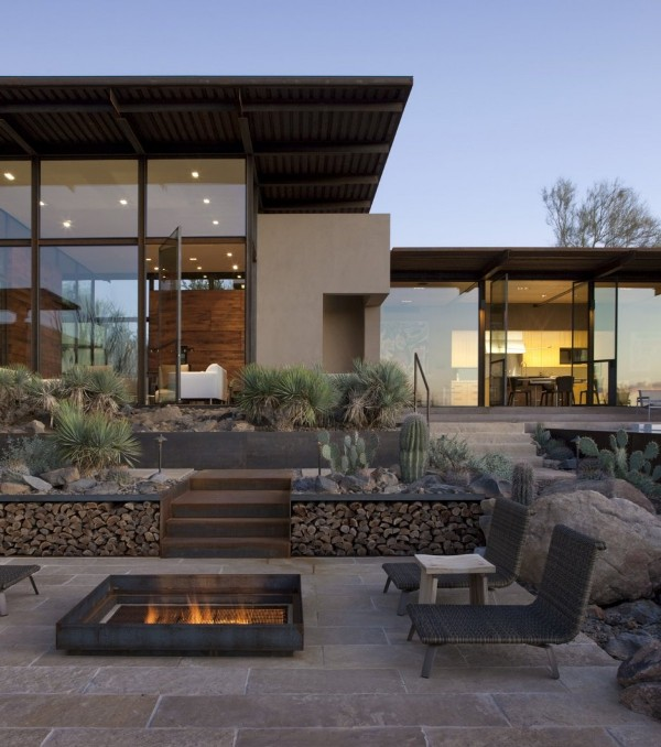 Brown Residence desert inspired patio design Brown Residence: Transparent beauty designed to take on the desert heat