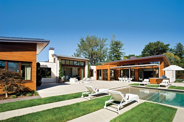 Contemporary Green Home Charms With Sleek Pool And Mini