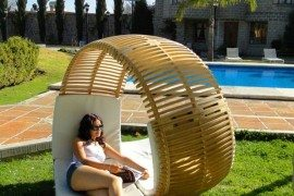 Relaxing Loopita Bonita Chaise Longue Looks Like a Fancy Roller-Coaster