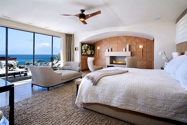 Luxury Beach House, Laguna Beach, California – modern bedroom with ocean views