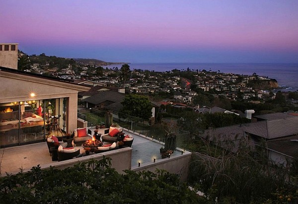 Luxury Beach House, Laguna Beach, California – outdoor terrace design with city landscape views