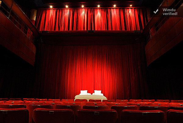 Paris cinema hotel