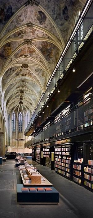 Selexyz Dominicanen Bookstore - Maastricth 2