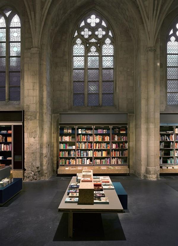Selexyz Dominicanen Bookstore - Maastricth 3