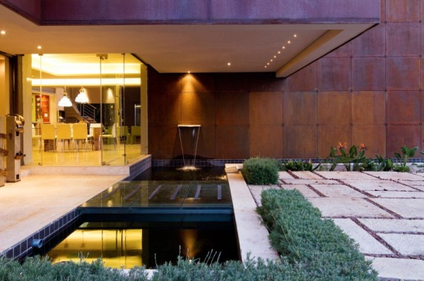 South African House Remodeling 2 600x399 South African Home Gets a Ravishing Revamp from Nico van der Meulen Architects