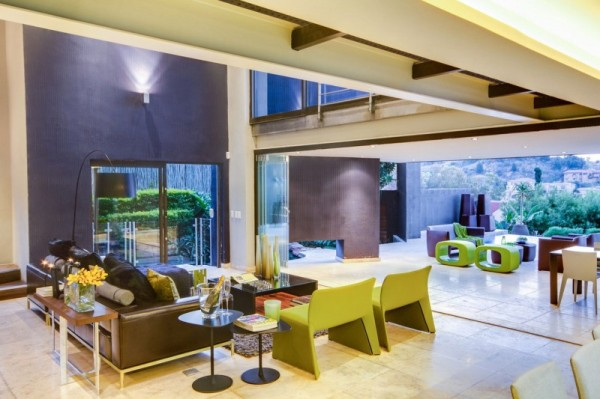 South-African-House-Remodeling-living-room-and-outdoor-patio-600x399