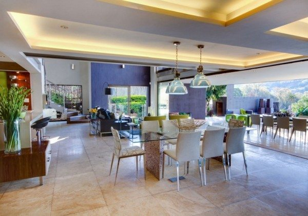 South-African-House-Remodeling-sleek-dining-table-600x422