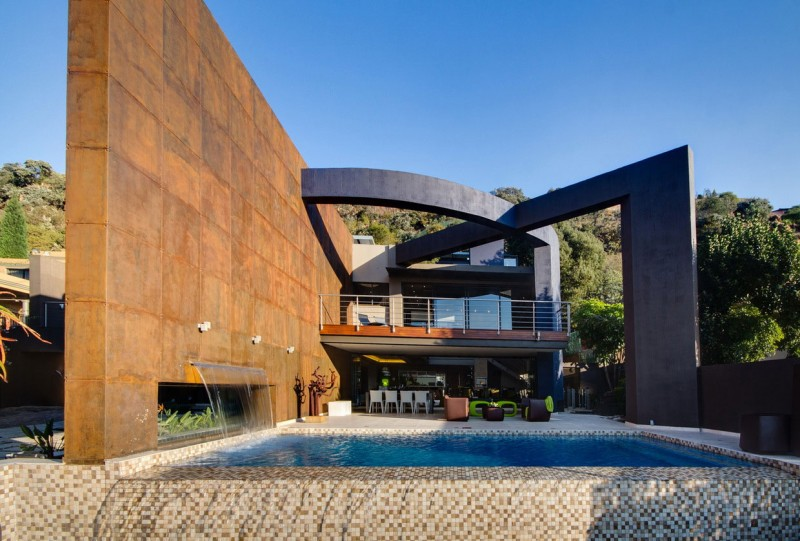 South African House Remodeling – sleek outdoor patio design