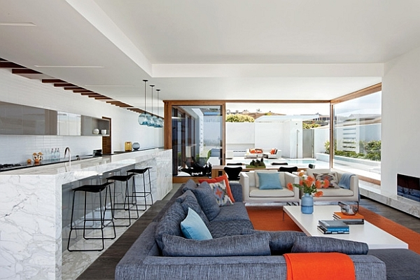 Modern Living Space In California Amalgamates Contrasting