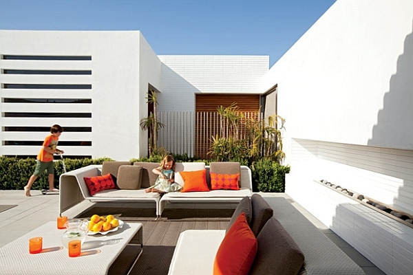 Southern California home – outdoor furniture