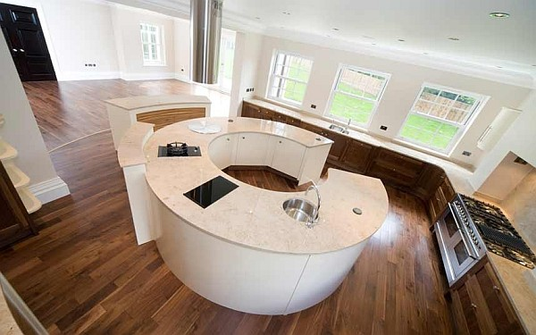 Circle shaped house for Horseshoe kitchen decor