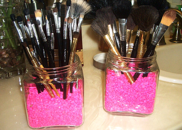 makeup brush organizer idea