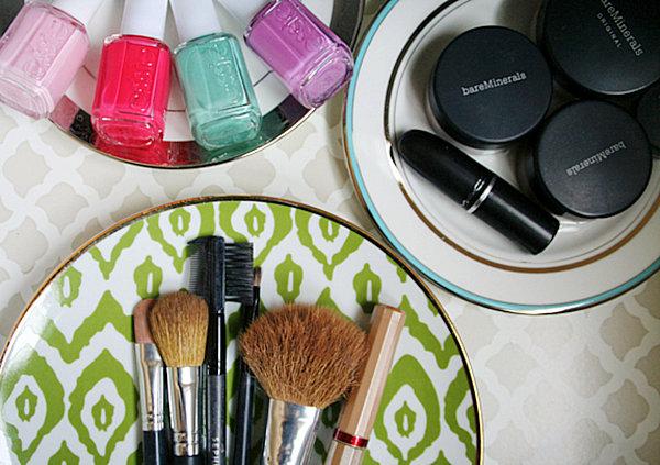 makeup organizer plates