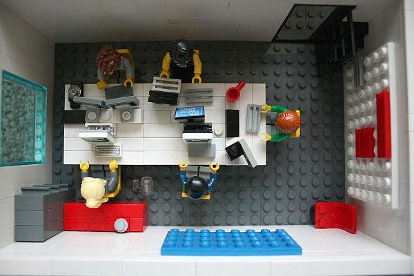 miniature-Lego-office-Yard-Digital-back-office