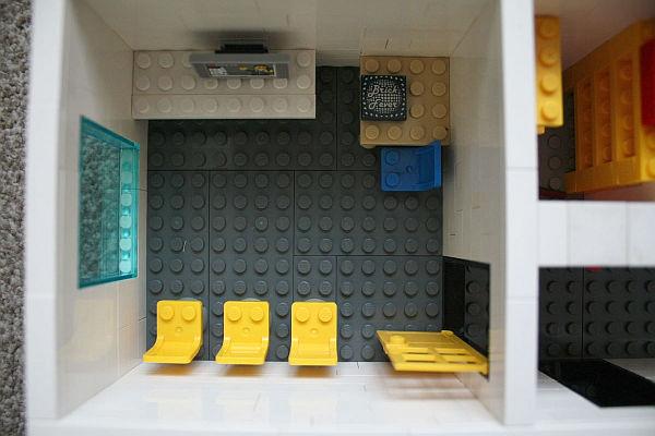 miniature-Lego-office-Yard-Digital-meeting-room