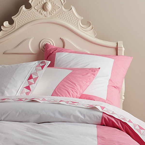 Serena Lily Love The Burlap Look Of The: Stylish Bedding For Teen Girls