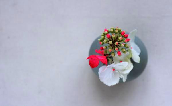 neon-pink-floral-arrangement