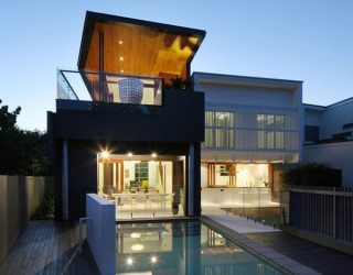 Modern and comfortable residence by a Brisbane Park