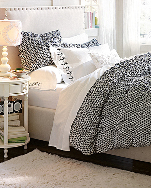 Trendy Teen Girls Bedding Ideas With A Contemporary Vibe: Teen Girls Polka Dot Bedroom