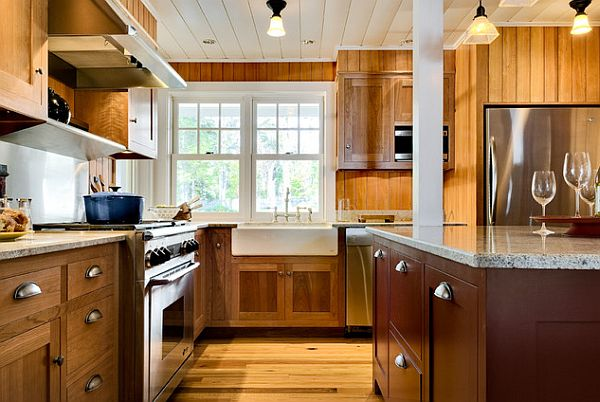 Wooden kitchen with elegant knobs