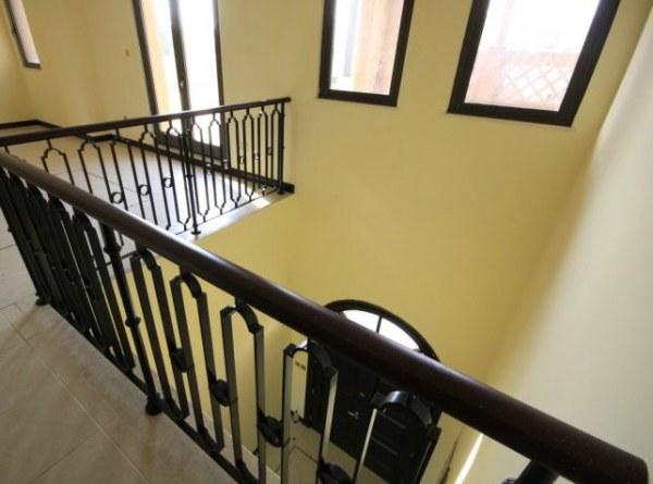A modern Arabic villa railing