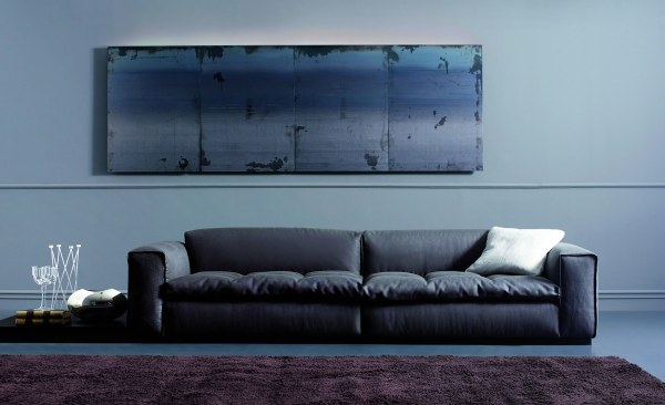 5 chic italian furniture manufacturers for Modern style sofa