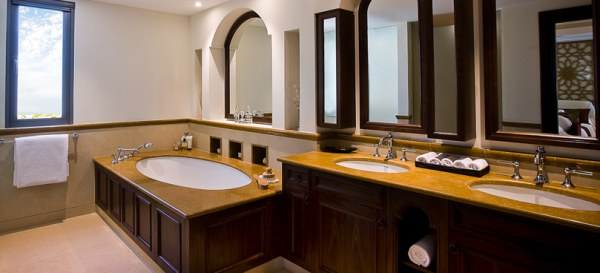 An Abu Dhabi villa bathroom