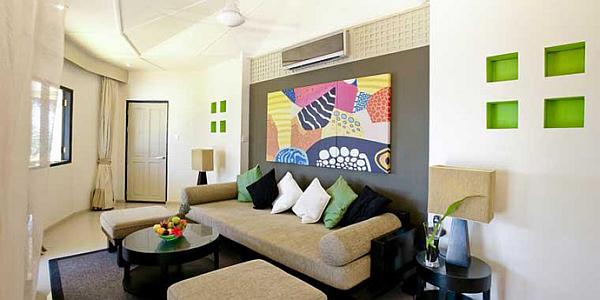 Angsana Velavaru Maldives Resort – colorful living area