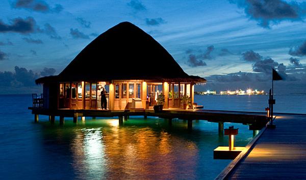 Angsana Velavaru Maldives Resort – luxury restaurant