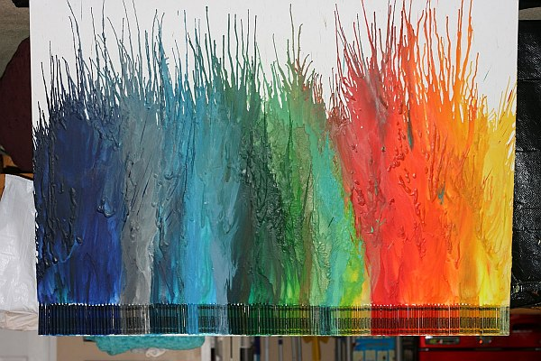 Unique room painting ideas - Diy Melted Crayon Art For The Whole Family