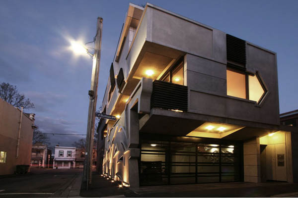 Dynamic Urban Home Melbourne 2 Enigmatic Melbourne House With Hip Exterior Design & Unusual Interior
