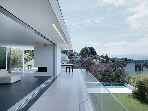 Feldbalz house contemporary glass home with brilliant for Modern glass house