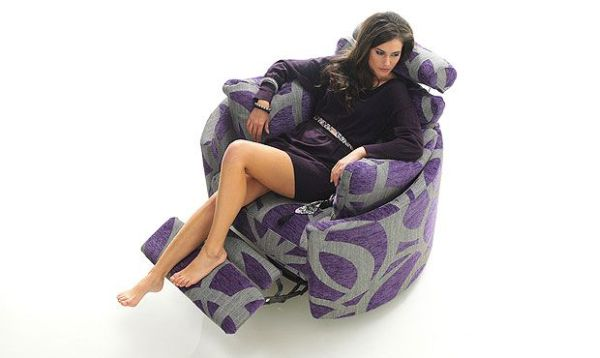Bubbly and bright violet Recliner comes with a footrest