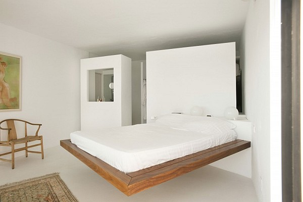 Suspended wooden bed
