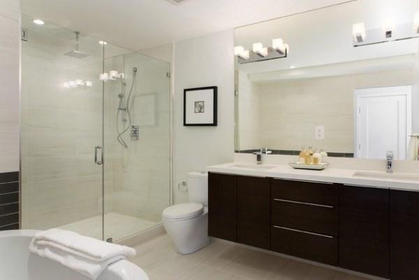 a contemporary luxury bathroom