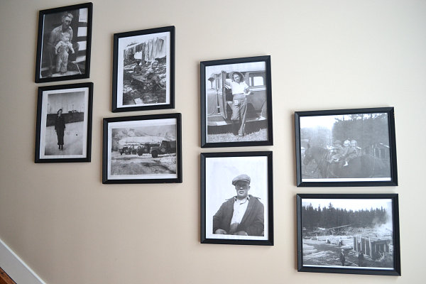 View in gallery if youre looking for a light and airy solution try framing the pictures in white