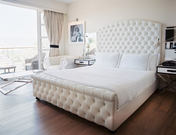 White Tufted Sleigh Bed 600 x 461