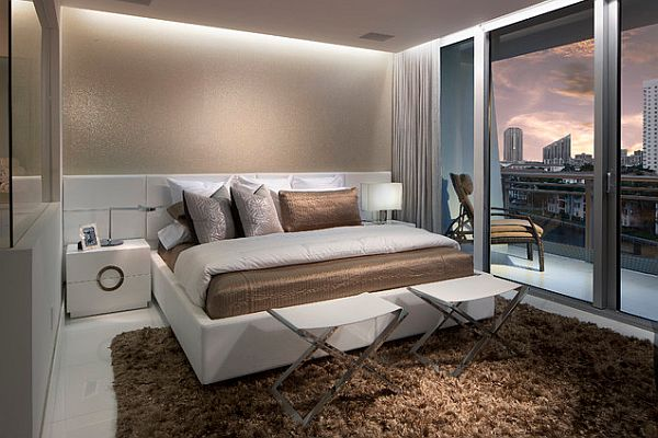 Stunning bedroom decor with recessed lighting