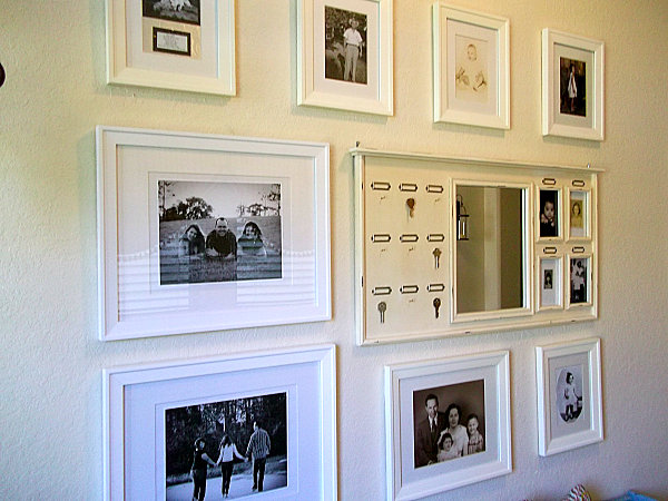 This strategy is particularly striking when using black and white images check out the white picture frame key holder below which sets the tone for the