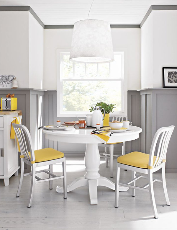 Great Small White Round Kitchen Table 600 x 779 · 78 kB · jpeg