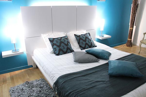 Colorful small bedroom design ideas Modern bedroom blue