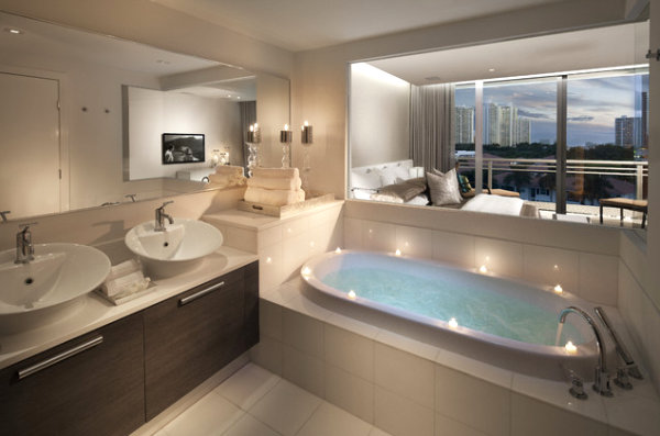 View In Gallery An Elegant Oval Tub