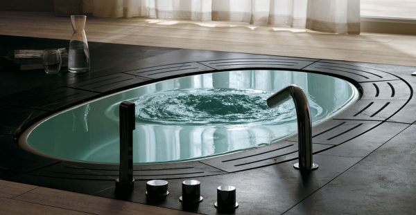 An oval tub by Teuco