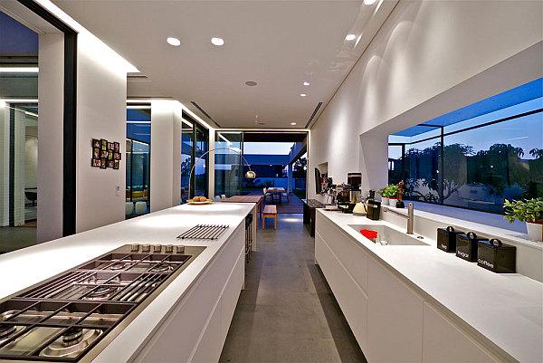 Contemporary-Home-in-Caesarea-5